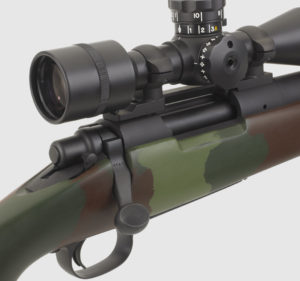 The McMillan M40A1 Commemorative features an US Optics MST-100 scope replicating the original Unertl.