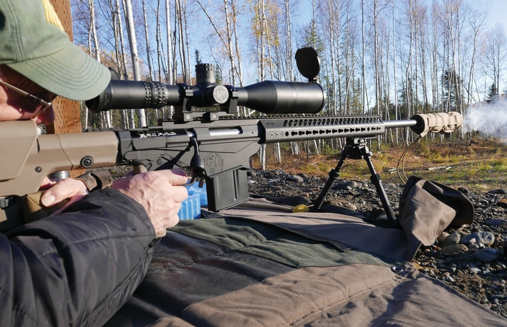 This riflescope costs more than the rifl e out of the box. When shooting long distances, a top-quality scope that fits your mission is mandatory.