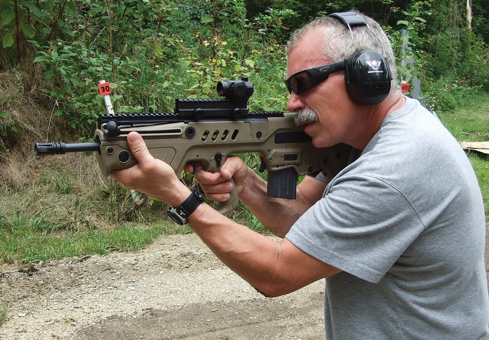 Retired SWAT officer Sgt. John Groom aided the author with a second opinion during testing. He admired the SAR the most for its compactness and agile handling.